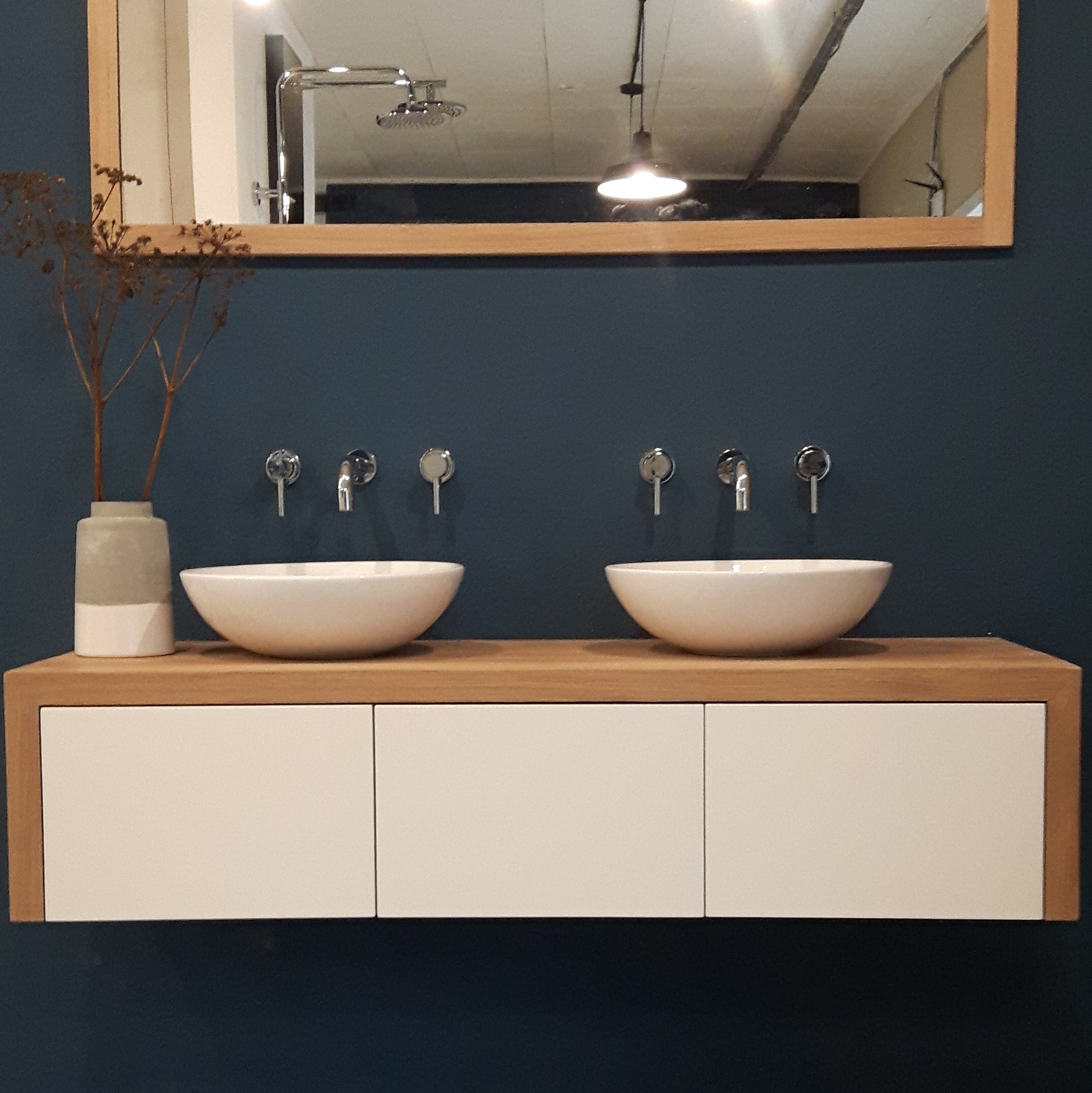 Badkamermeubel Wood4 showroom